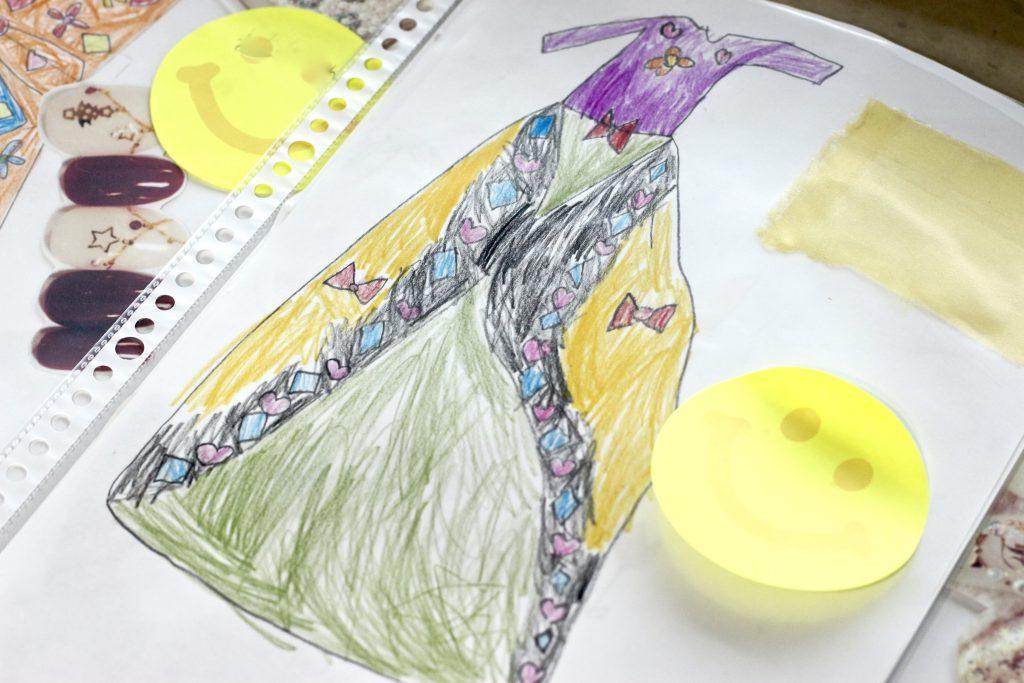 デザイン教室 子どもの描いたファッションデザイン画